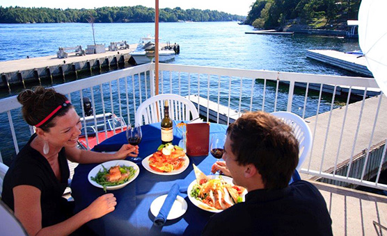 BOATHOUSE-PATIO-DINING