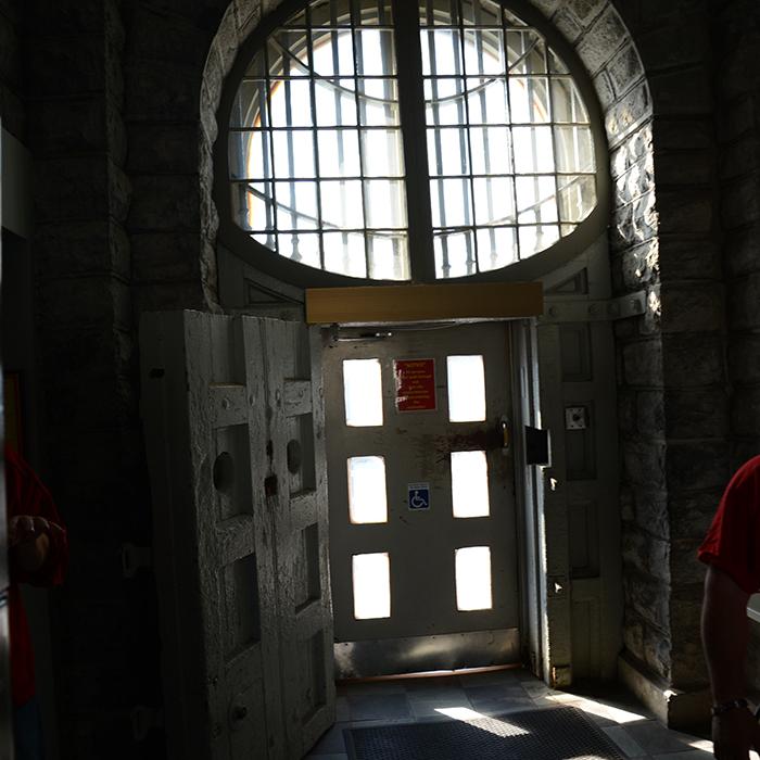 kingston-pen-tours-front-door